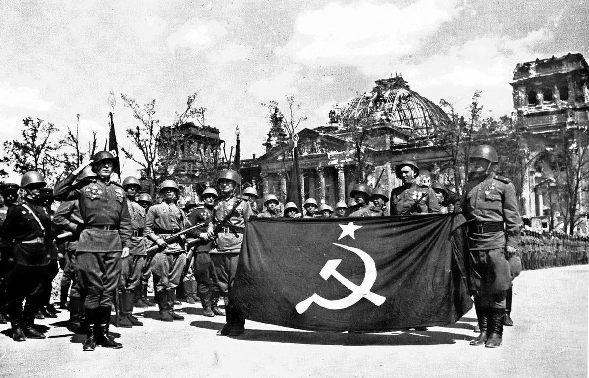 Падение Берлина на фотографиях весны 1945 года (40)