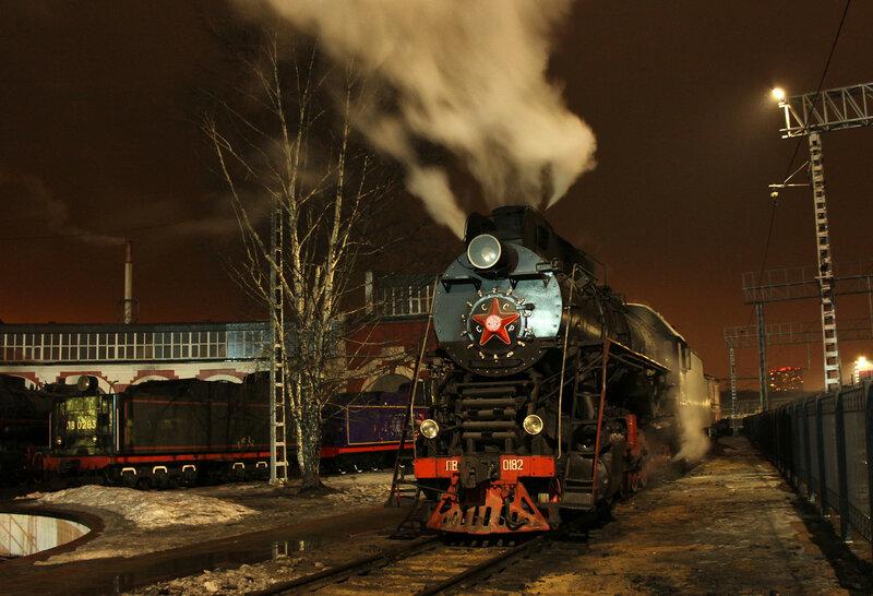 Паровоз ЛВ-0182 на станции Подмосковная