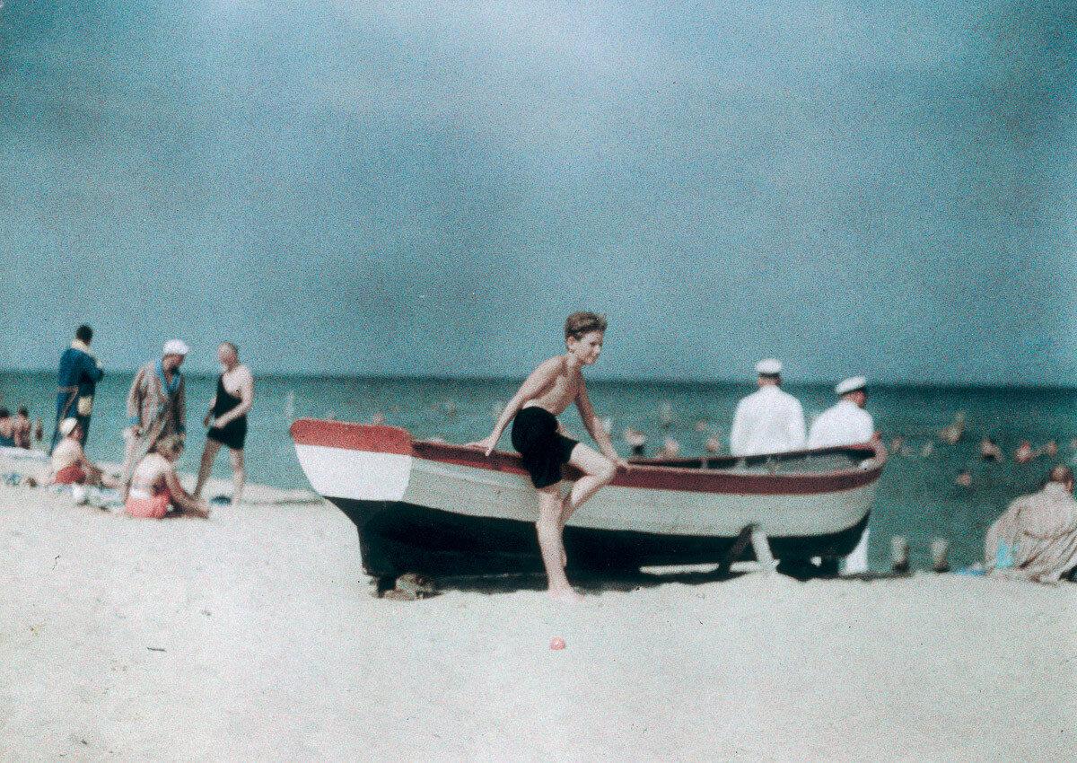 1929. Хайнц на пляже