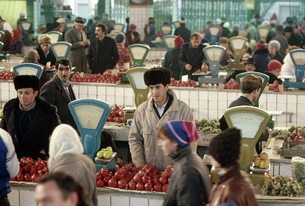 1991. Калуга. продуктовый рынок