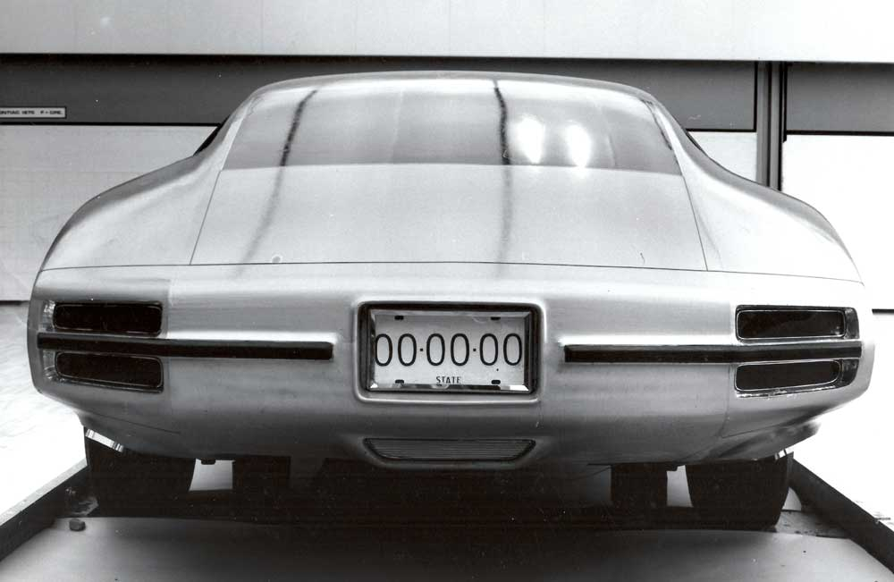 '70 Pontiac firebird design concept 5.jpg