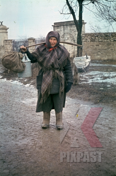 stock-photo-peasant-woman-in-winter-clothes-and-grave-boots-in-russia-1944-9031.jpg