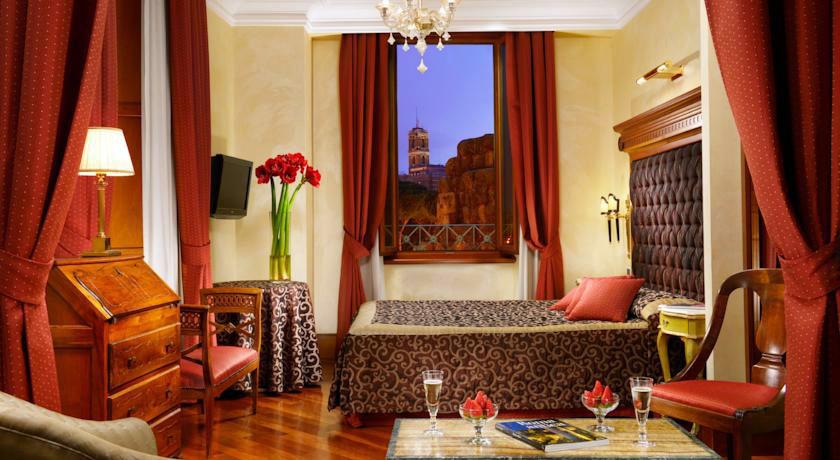 Отель в Риме с видом на форум