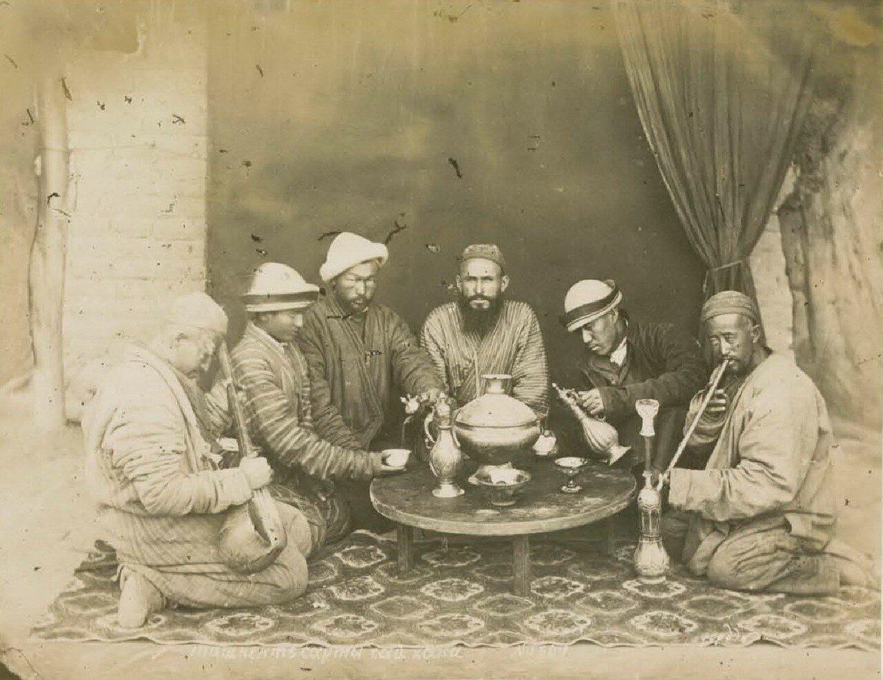 Ташкентские сарты в чайхане