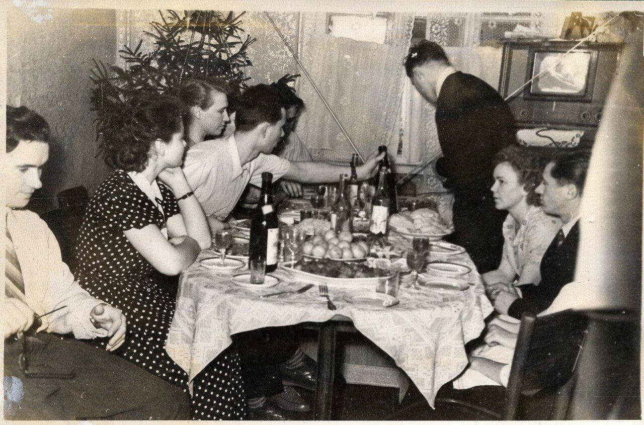 1950-е. Застолье