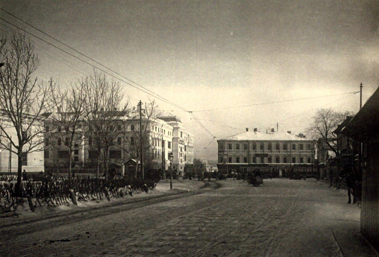 271. Вид от Зубовского бульвара на Крымскую площадь.1913
