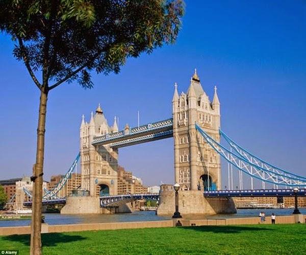 В Лондоне открывается прозрачный мост с видом на реку Темза 0 12cf96 7d9f8e8d orig