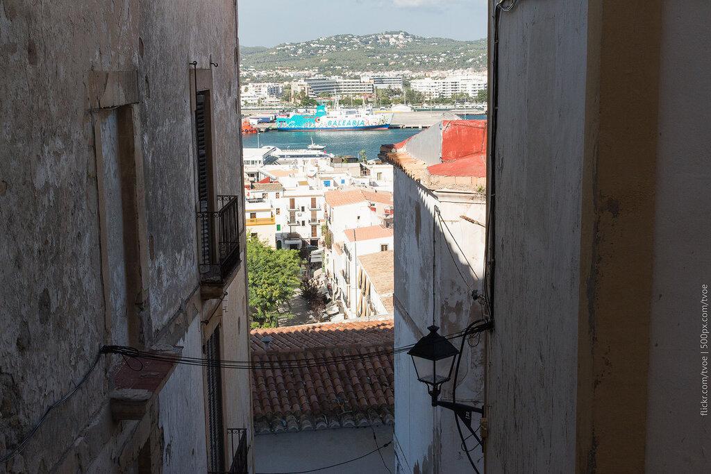 Вид на гавань Ибицы днём