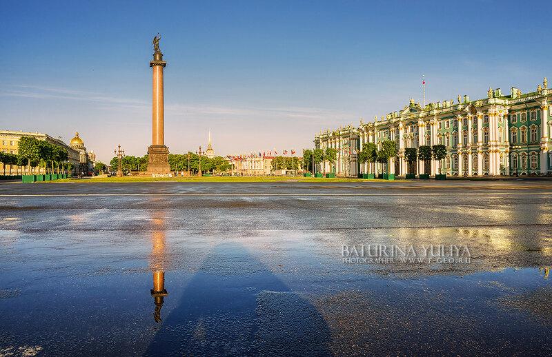 Ангел на Дворцовой площади