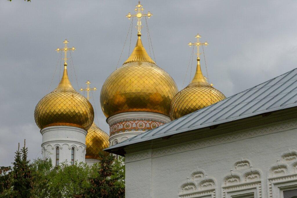Купола Успенского кафедрального собора