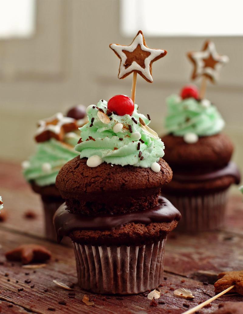 Шоколадные капкейки - пошаговый рецепт с фото #13.