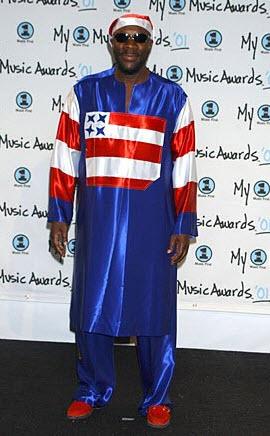 Американские знаменитости в одежде цветов звездно полосатого флага