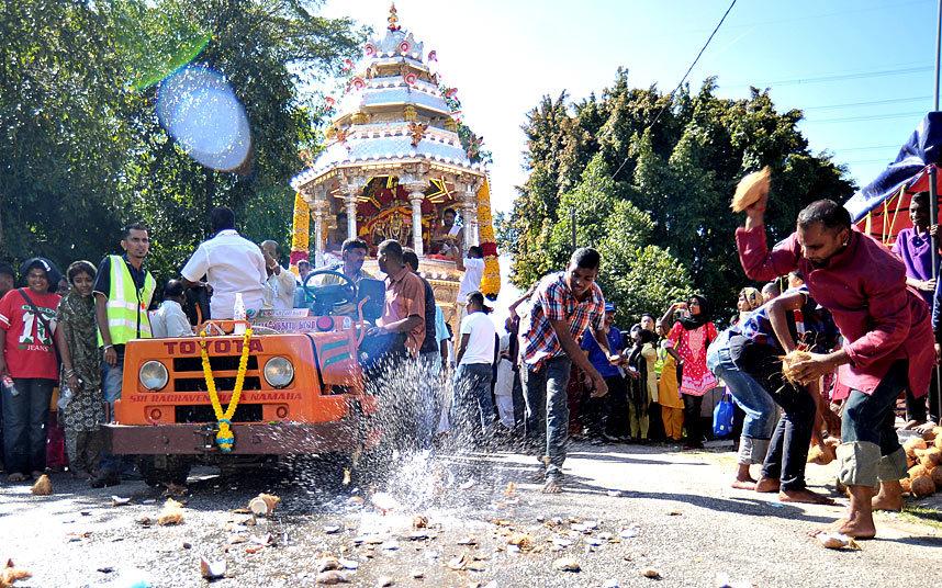 Индуистский фестиваль Тайпусам