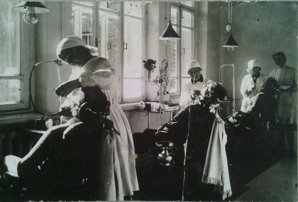 1930-е. Стоматологический кабинет