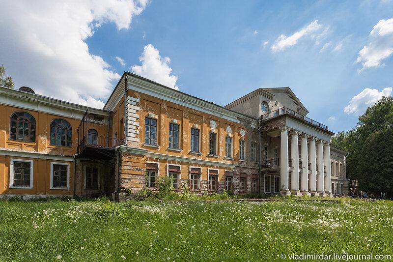 Дворец Волконских в усадьбе Суханово