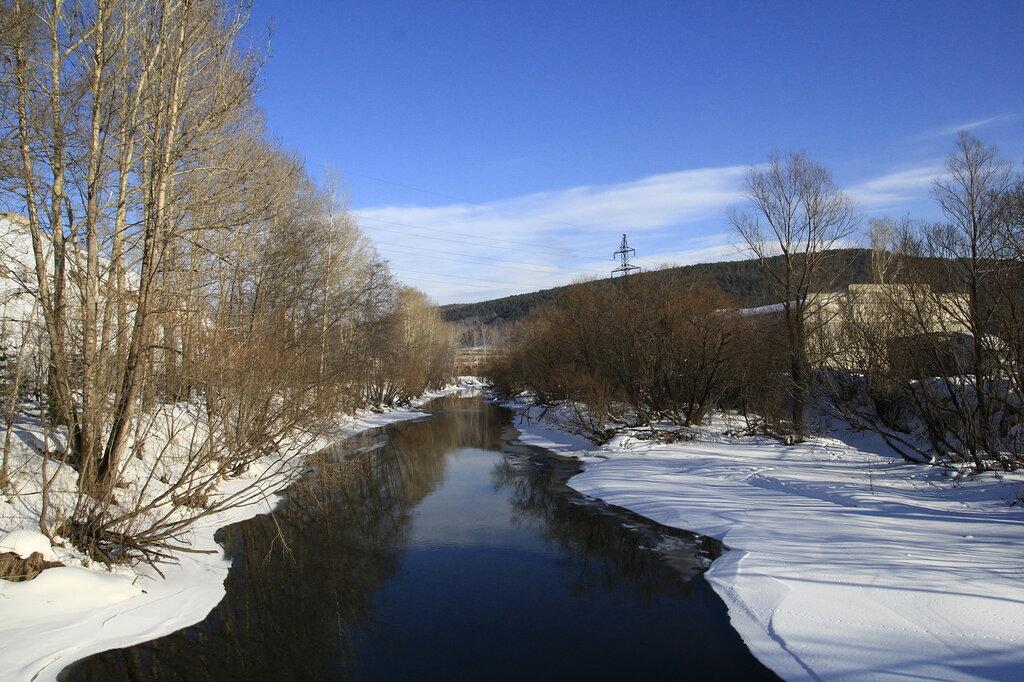 Река Куса с моста (вверх по течению)