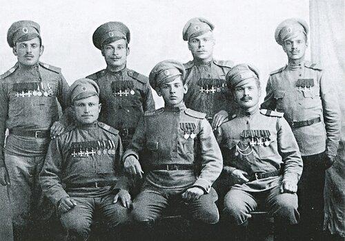 Франция, солдаты-герои 10-го Туркестанского полка. В. Е. Гридяев.jpg