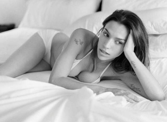 Фотографии девушек с красивой грудью для Платона из Яндекса