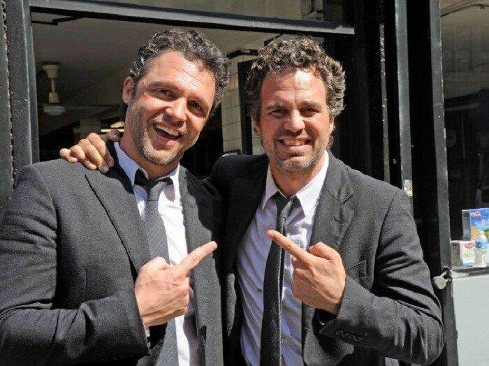 Почти близнецы актер Mark Ruffalo и его дублер Anthony Molinari.