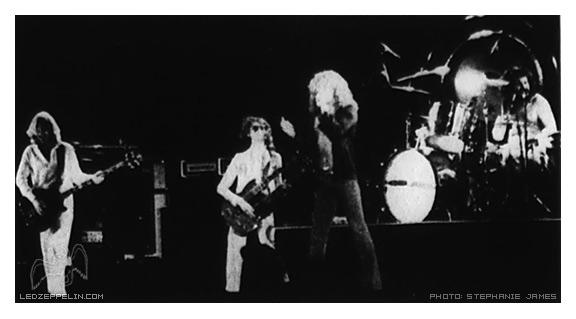 1977-06-03_LZ_by_Stephanie_James.jpg