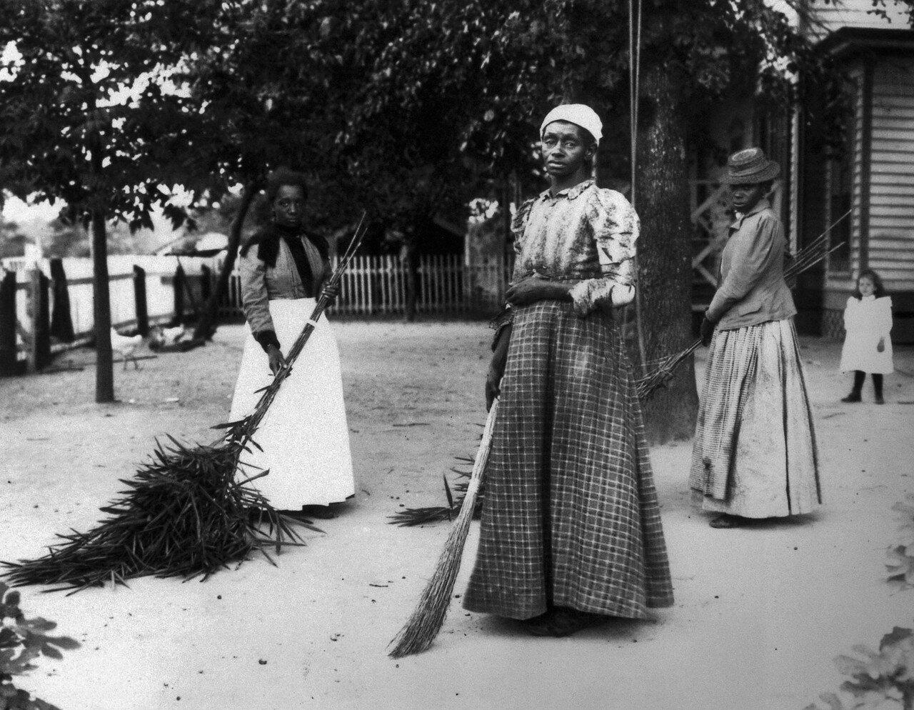 1899. 29-ого октября на плантации Латимер, Белтон