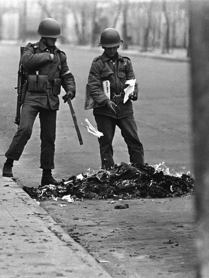 1973 Chilean coup d'état - Burning subversive literature.jpg