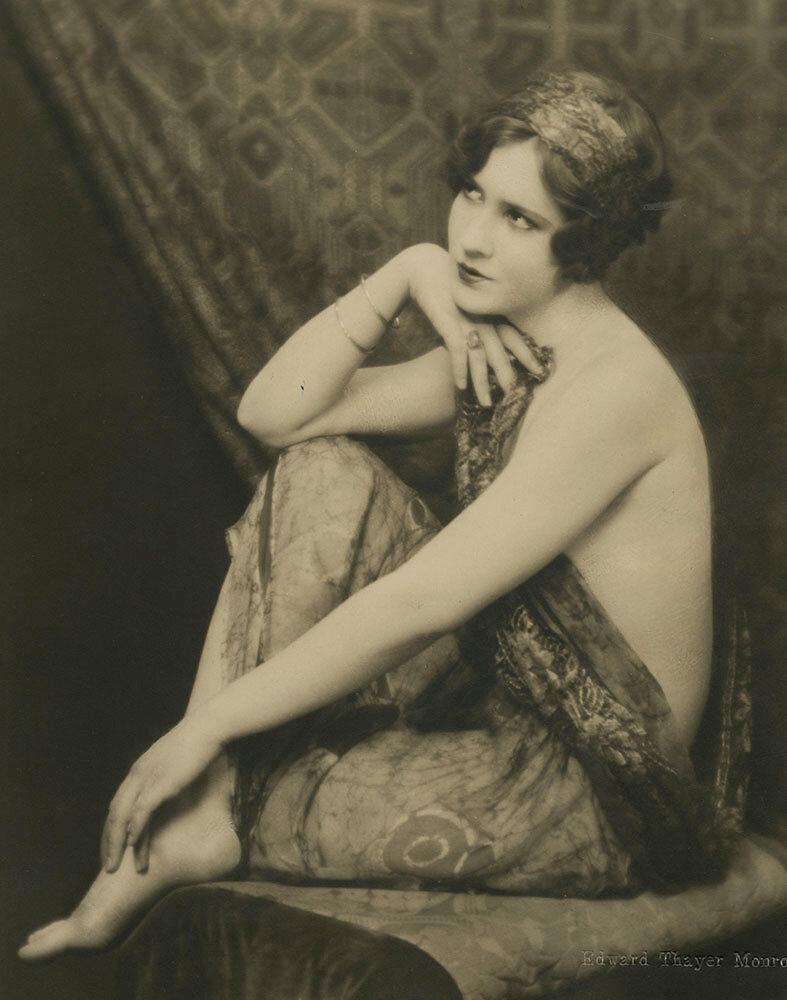 Early photograph of Mae Clark by Edward Thayer Monroe, 1927.jpg