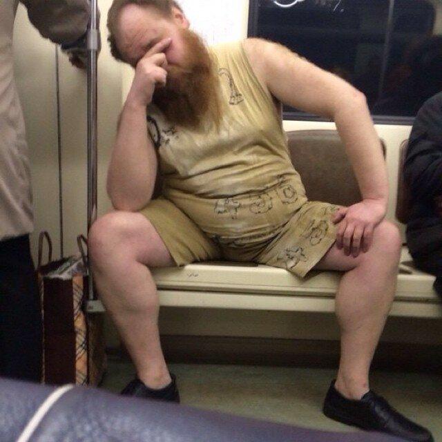 самые-странные-люди-в-метро14.jpg