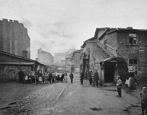 Двор на Выборгской стороне. 1900