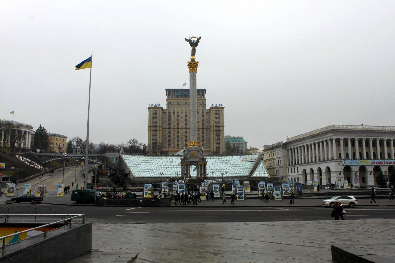 Майдан Незалежности в декабре