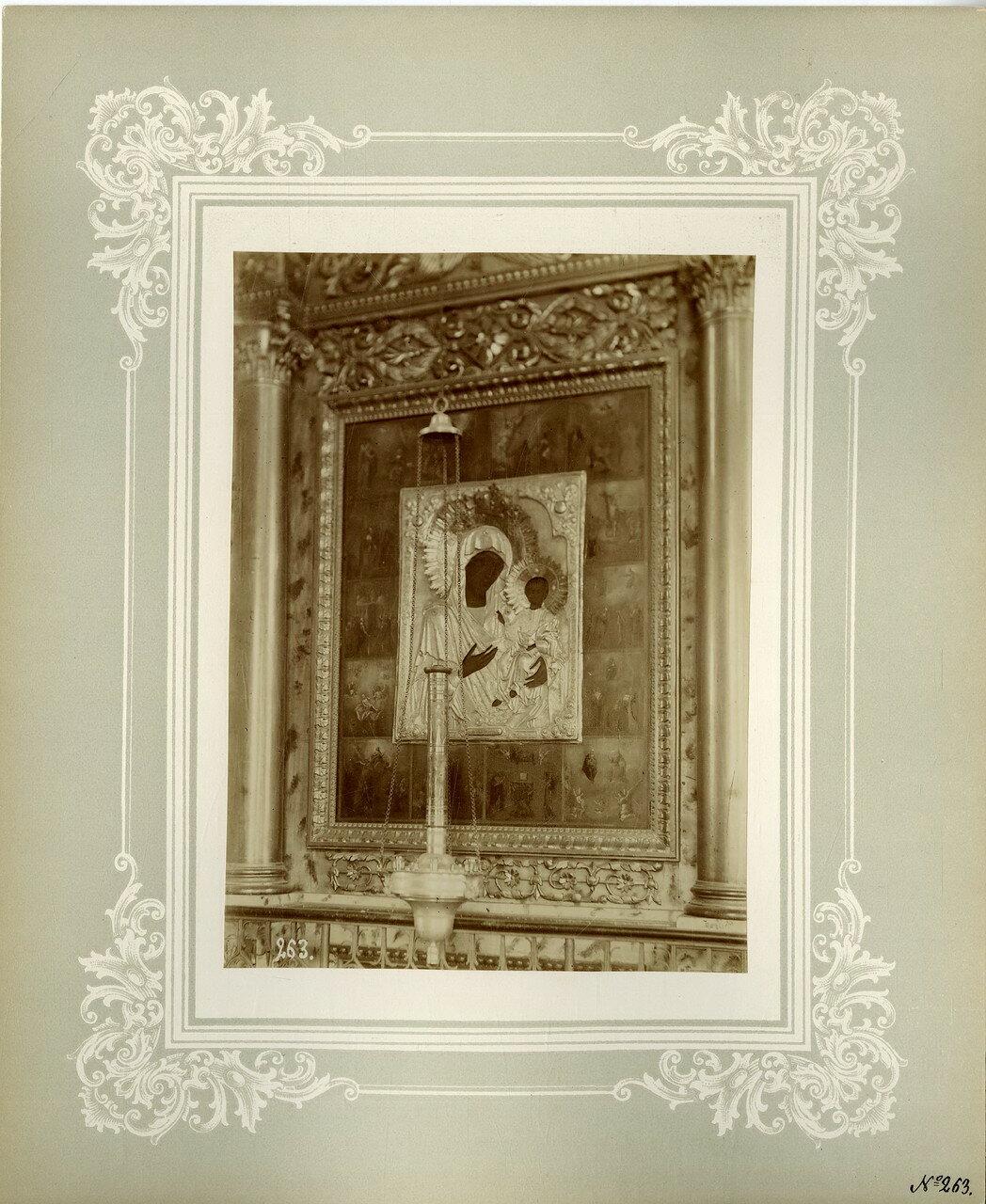 17. Тихвинская икона Божией Матери на левой колонне соборного храма ближайшей к главному входу