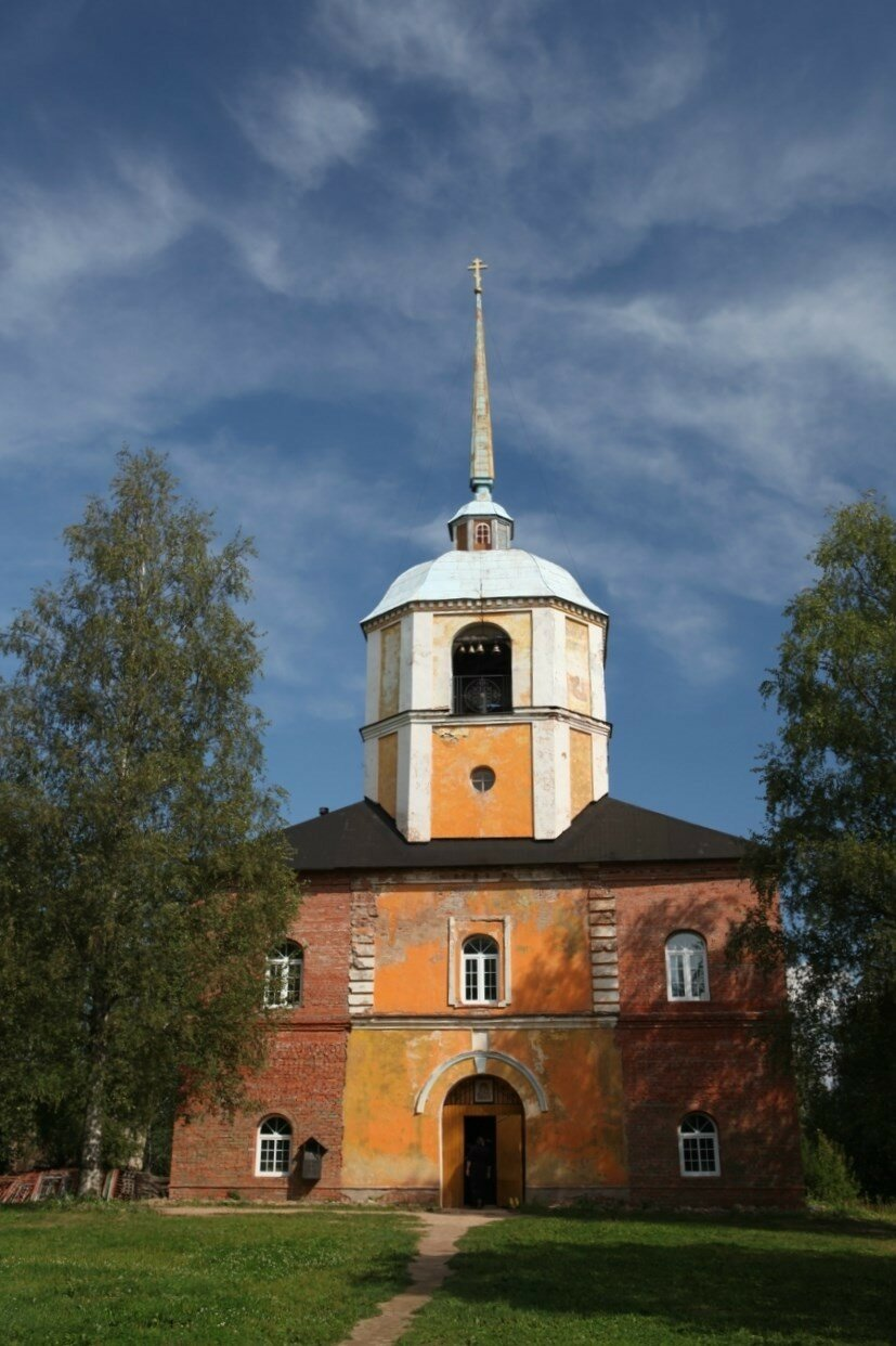 Антониево-Дымский монастырь в Тихвине - Церковь Святой Троицы