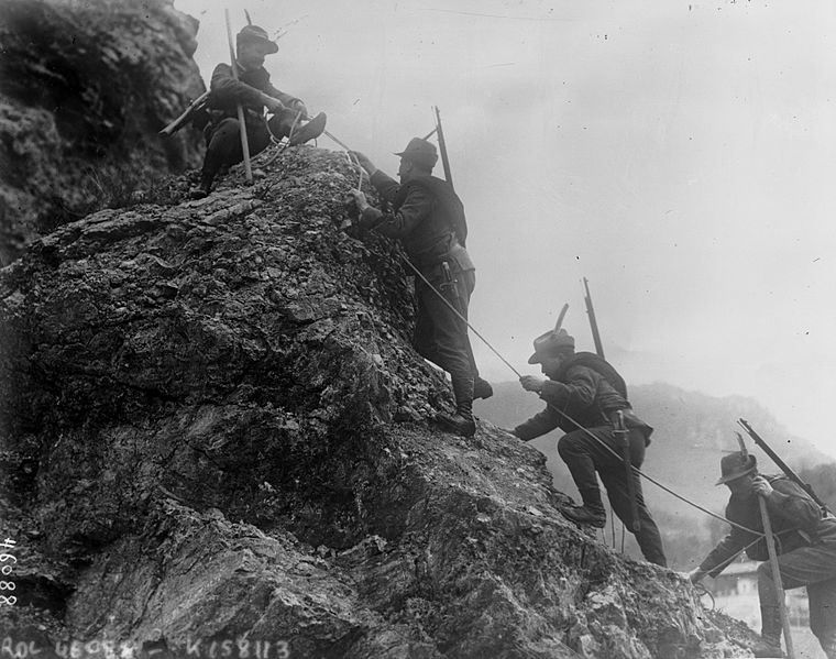760px-Italian_alpine_troops.jpg