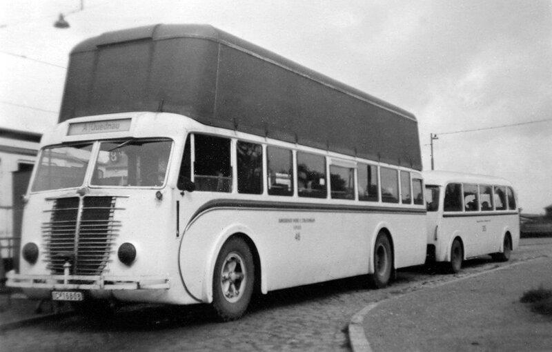 Автобусная остановка в Quednau - Северная Гора 1940.jpg