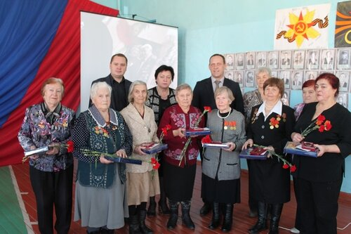 В Свердловской области проходят торжественные церемонии по вручению медалей к 70-летию Победы