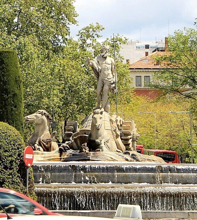 Fountain of Neptune (Fuente de Neptuno)