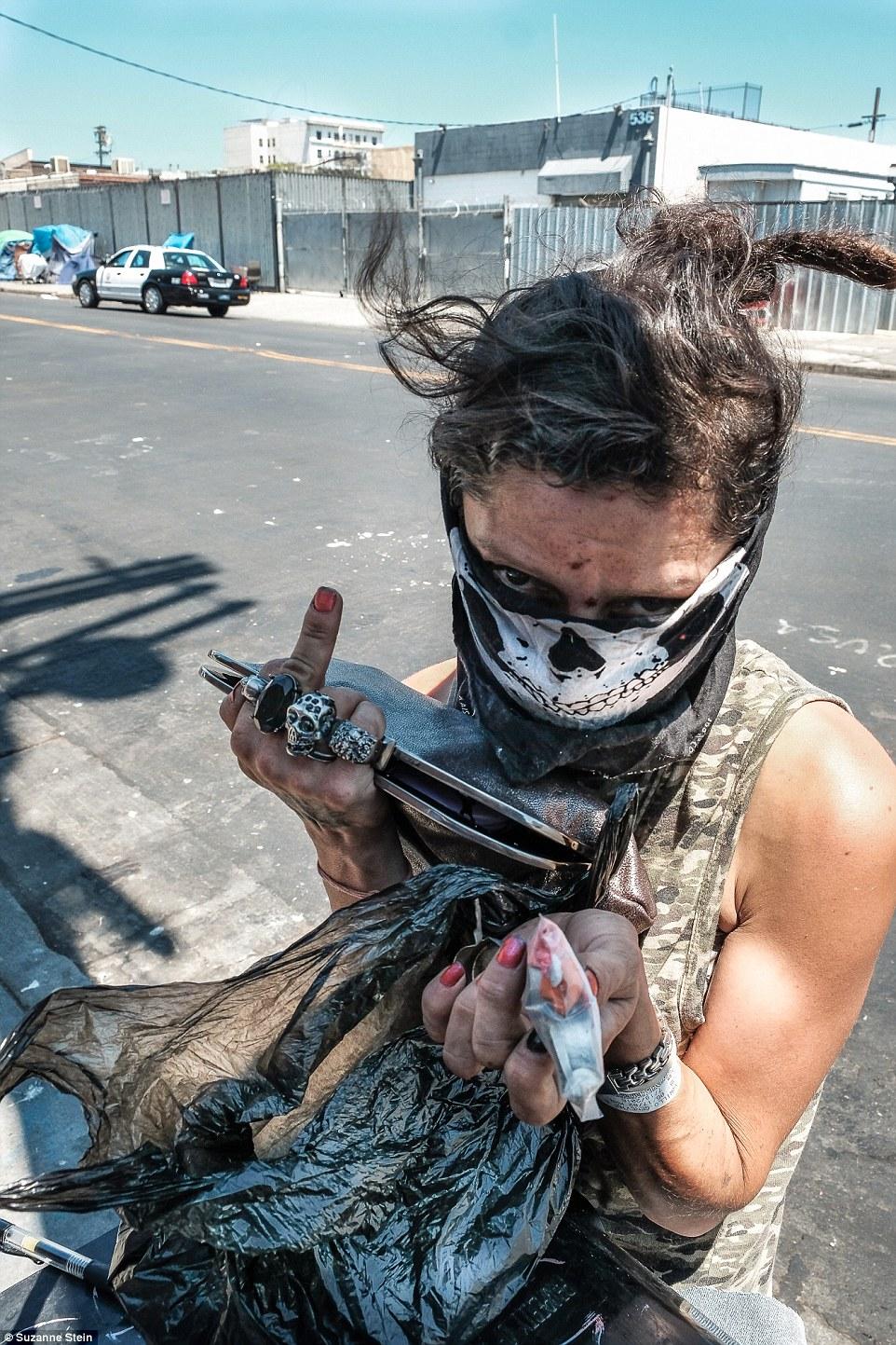 Американская мечта: фотопроект о бездомных и наркоманах Лос-Анджелеса (12 фото)