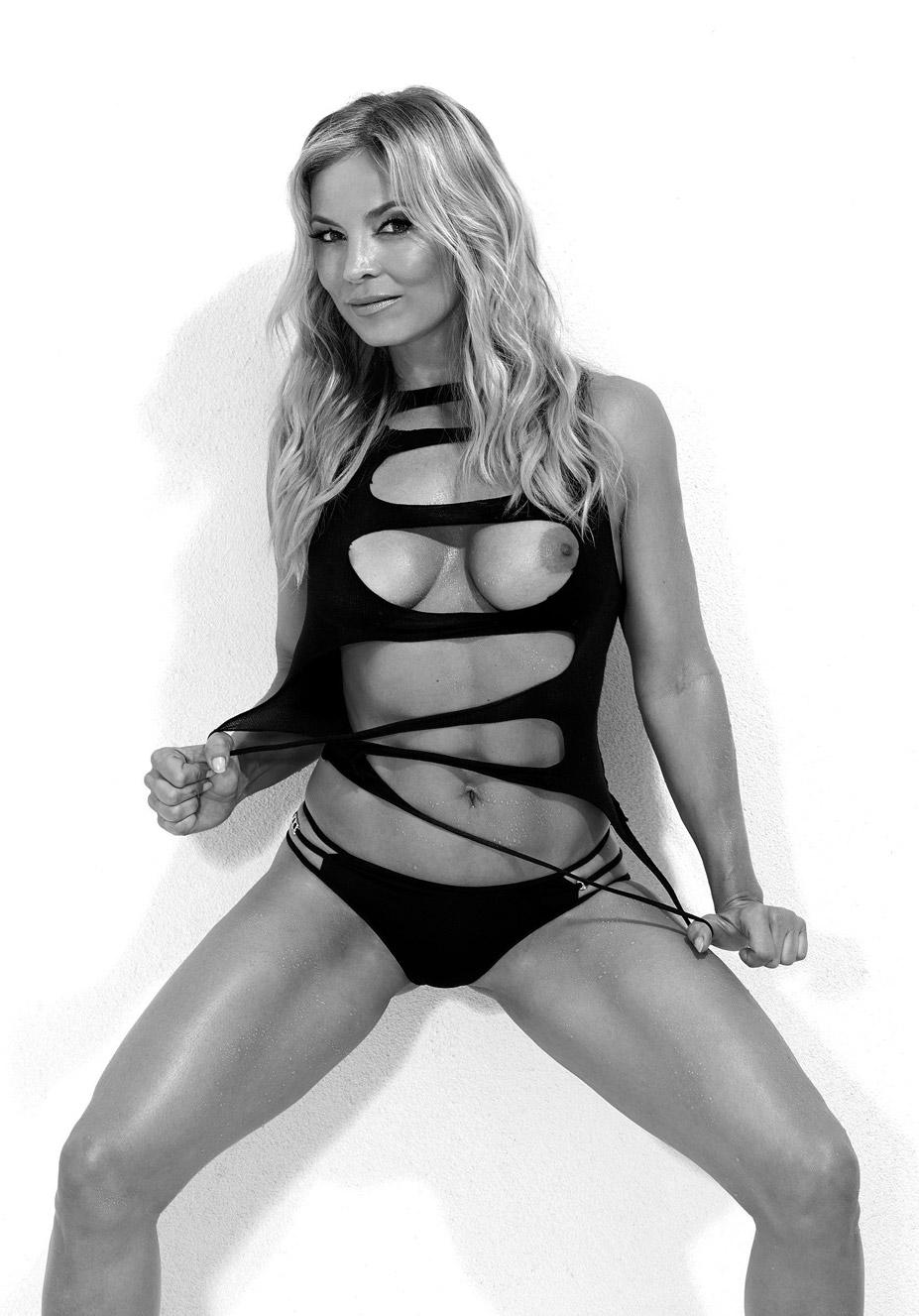 немецкая боксерша Регина Хальмих / Regina Halmich - Playboy Germany march 2015
