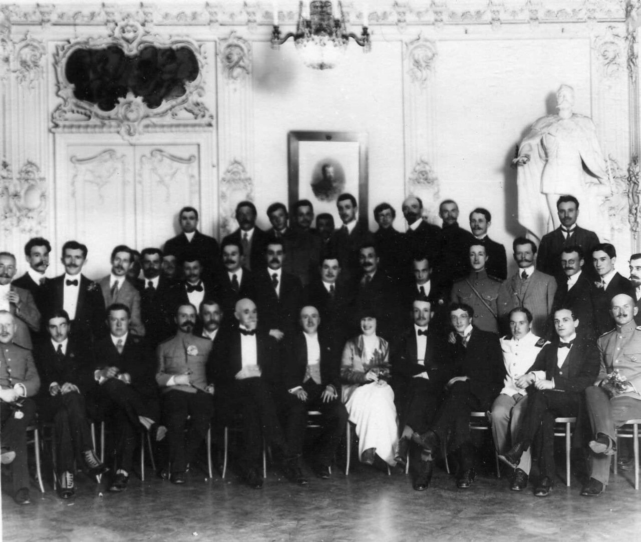 14. Группа членов аэроклуба. 1910 - 1912