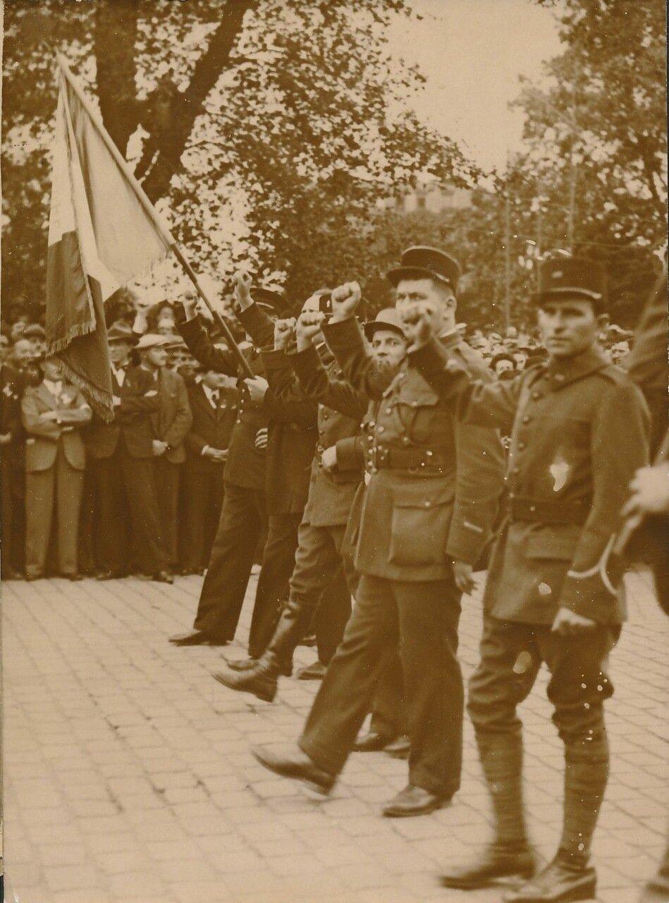 1936. Парад Народного фронта 14 июля