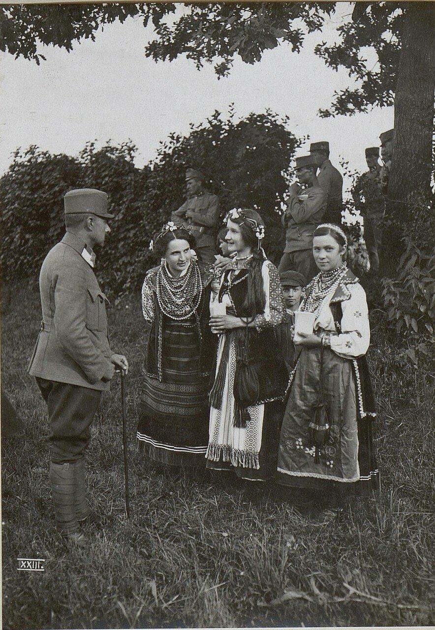 Галиция. Украинский праздничный костюм в Калуше