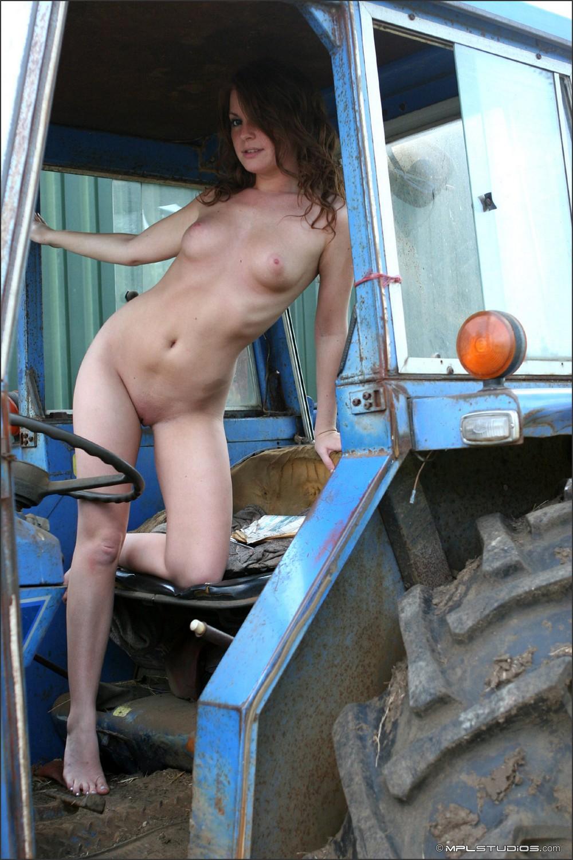 Порнуха на тракторах 16 фотография