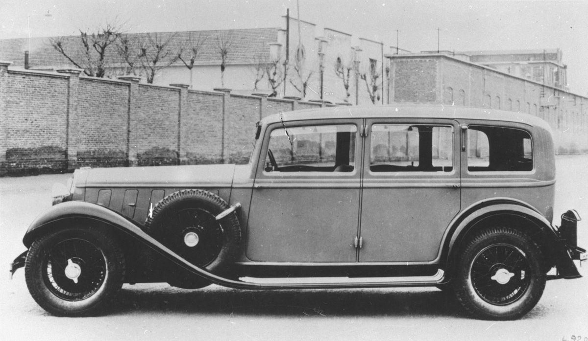 1 Mercedes-Benz 770 Grand Mercedes Cabriolet (1931)