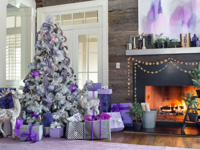 Основным цветом новогоднего интерьера можно выбрать илюбой другой. Ихнедолжно быть слишком много: