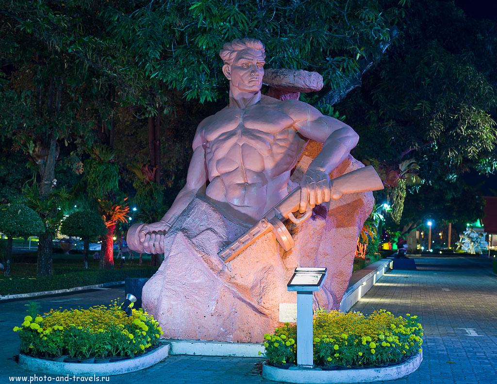 """15. Видели такой памятник в Волгограде? Отзыв об экскурсии в парк """"Мини-Сиам"""" в Паттайе. Отчет о поездке на отдых в Таиланд."""