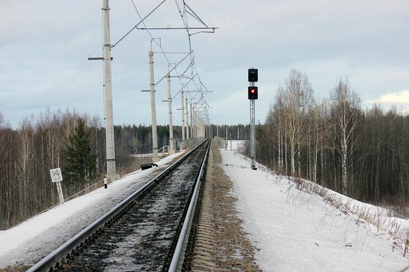 Светофор ЧМ3Г перед эстакадой