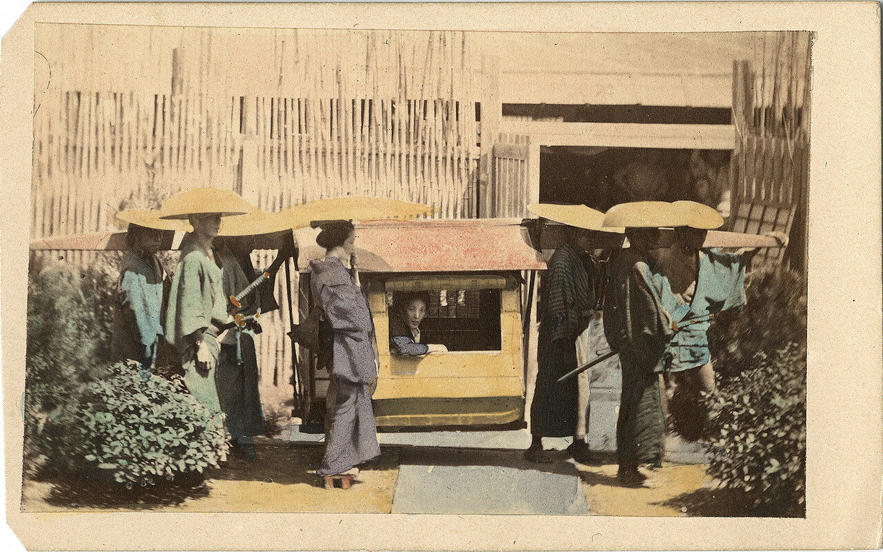 Знатная дама с сопровождением. 1860-е