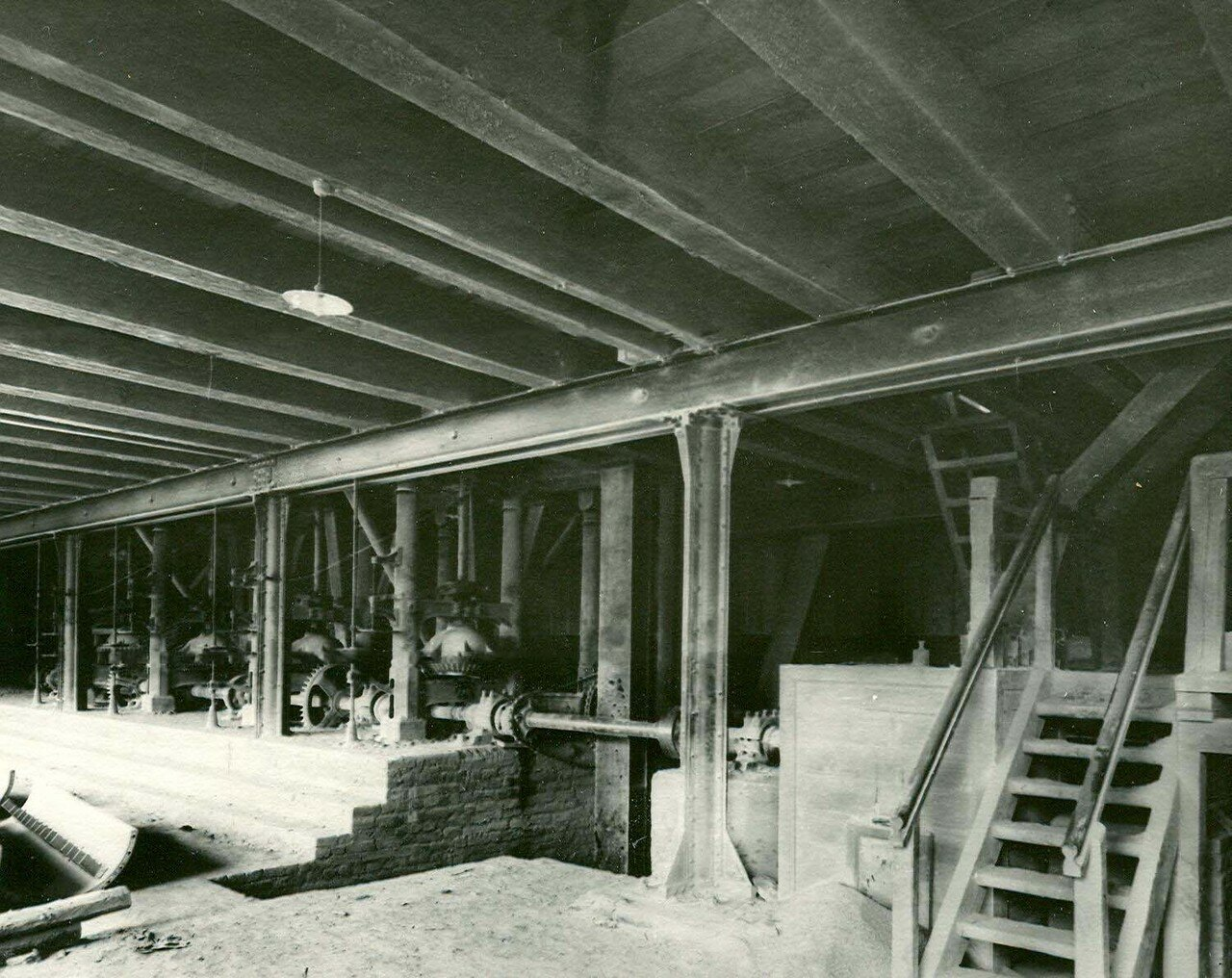 07. Внутренний вид одного из цехов завода