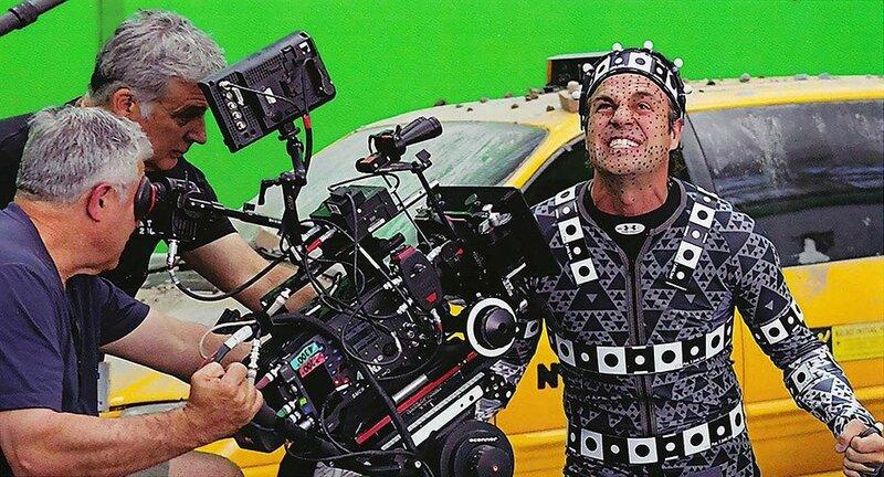 «Мстители» На съемках Марк Руффало был не таким уж и устрашающим, как его герой Халк в фильме.jpg