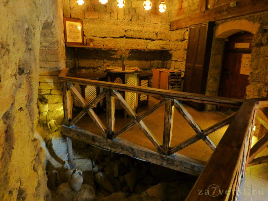 Кафе в средневековой башне, Евпатория